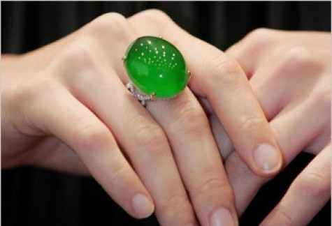 jadeite ring, sold for $1000000 in 2006